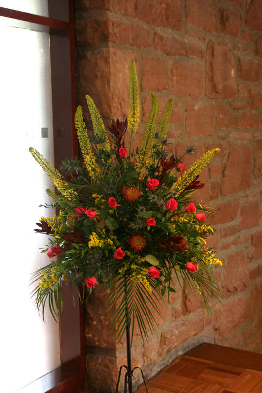 Pedestal arrangement