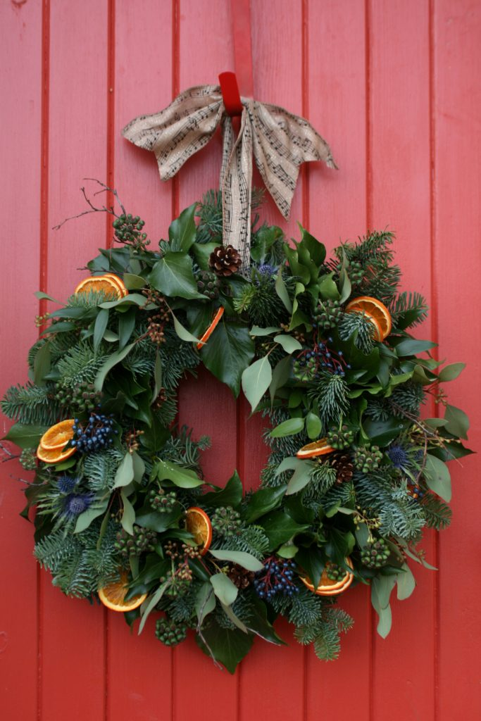 Christmas wreaths and flower arrangements edinburgh Designer christmas wreaths uk