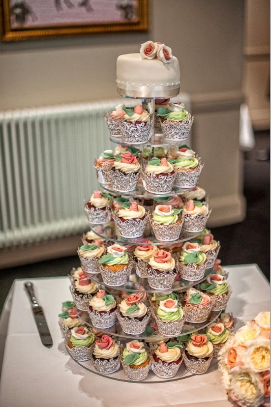Wedding cake Glenskirlie Castle