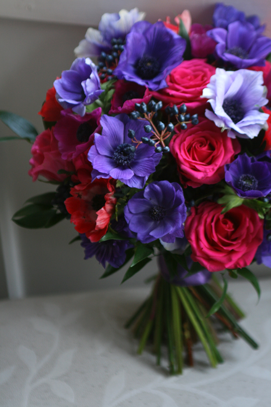 Bouquet of anemone's and roses