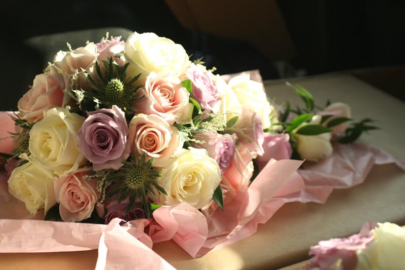 Rose teardrop bouquet