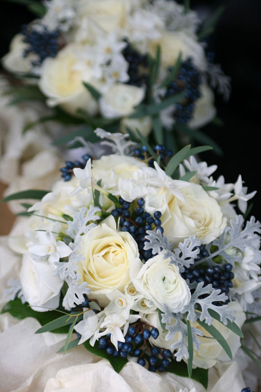 White and midnight blue wedding flowers