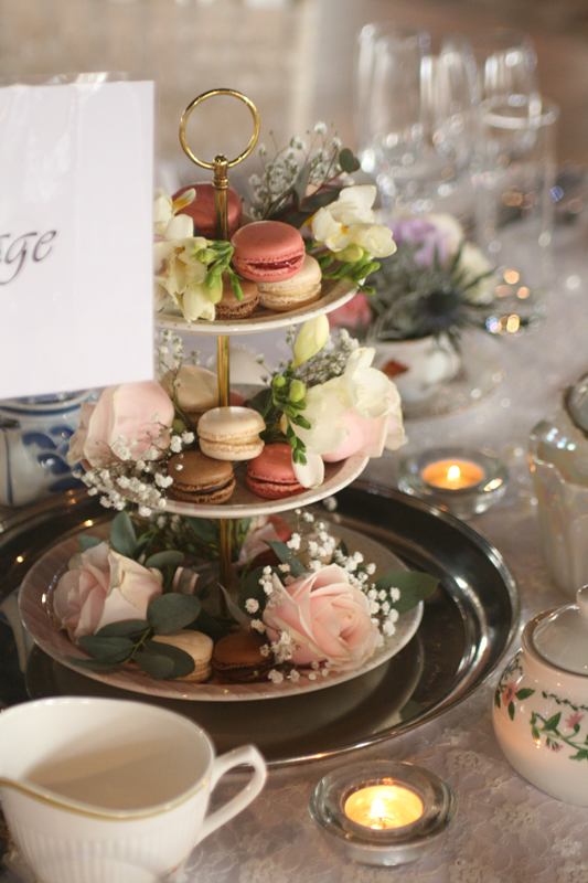 Cake stand flowers
