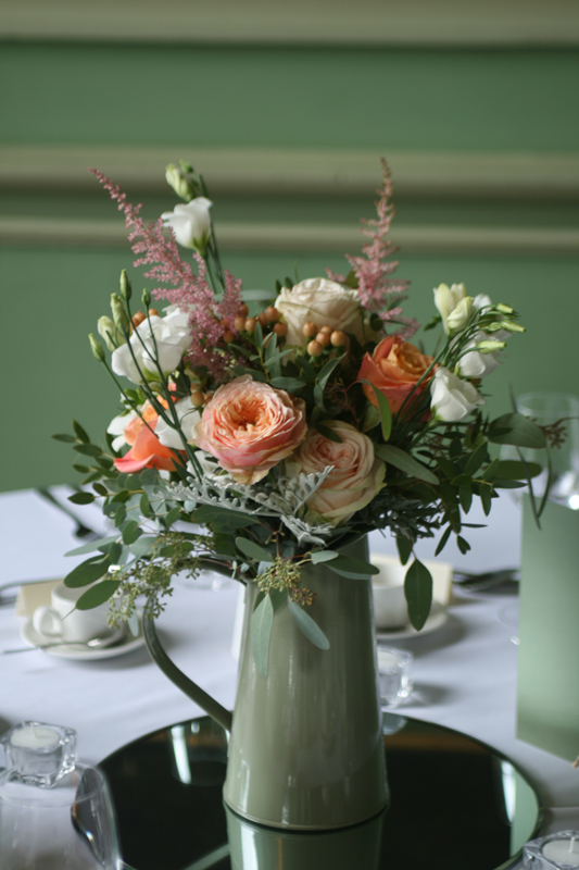 Table arrangements at Oxenfoord Castle, Midlothian