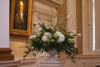 Pedestal arrangements at Merchants Hall in Edinburgh